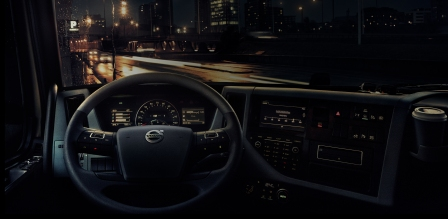 2324x1200-design-interior-volvo-fm-cabin-view-city-night.jpg